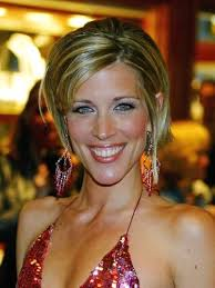 carly gh haircut see general hospital star laura wright s hottest hairstyles