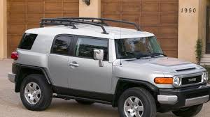 toyota desktop site 2008 toyota fj cruiser in silver side pose outside the house wallpaper