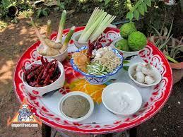 la cuisine thailandaise ceramic pedestal plate importfood