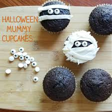 halloween mummy cupcakes u2013 rumbly in my tumbly