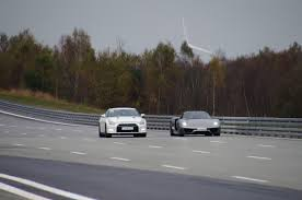 Nissan Gtr Alpha 12 - 918 vs alpha 12 1100 hp nissan gtr two races to 200 mph