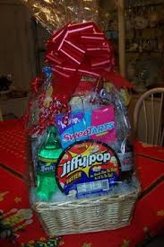 40 diy gift basket ideas for christmas family game night game