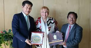 tibetan bureau office vice president of german bundestag officially meets president