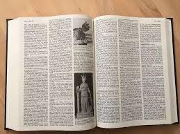 encyclopedia britannica 32 volume 15th edition in luton