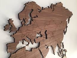 eikenhouten wereldkaart mapawall at world map wood