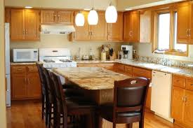 what color granite goes with honey oak cabinets honey oak cabinets what color granite www stkittsvilla com