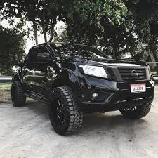 2000 nissan frontier lifted nissan navara cars and trucks pinterest nissan navara