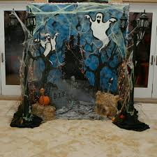 10 halloween photo booths your party needs halloween photo