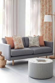 expert tips on how to choose curtain fabric