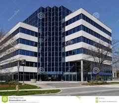 immeuble de bureaux petit immeuble de bureaux suburbain photo stock image du glace