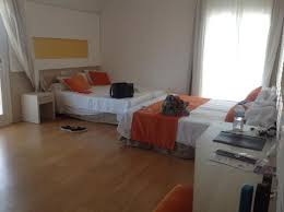 Large Family Room With  Single Beds And Wraparound Balcony - Hotel rooms for large families