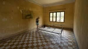 chambre des tortures le procès douch pourrait servir de modèle aux suivants l express