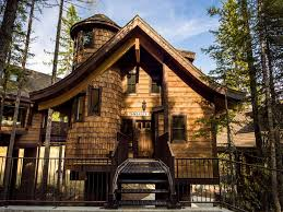 luxury treehouse chalet on whitefish homeaway whitefish