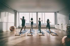 imagenes estudios yoga dónde aprender yoga en zaragoza superprof