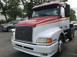volvo truck tractor 200 volvo truck tractor white vin 4v4nd2ug2yn234768 tmu