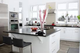cuisine moderne blanche et cuisine moderne blanche et noir les armoires séguin cabinets