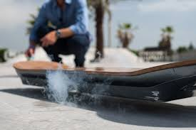 lexus hoverboard bloomberg lexus hoverboard papan skateboard yang bisa melayang di udara