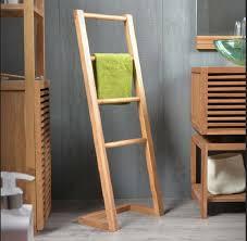 massivholzmöbel badezimmer massivholzmöbel badezimmer einfaches design handtuch leiter
