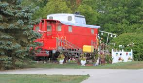 file backyard caboose augusta township michigan jpg wikimedia