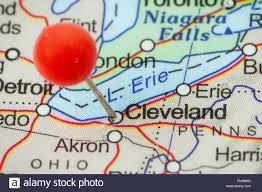 Push Pin Map Close Up Of A Red Pushpin In A Map Of Cleveland Usa Stock Photo
