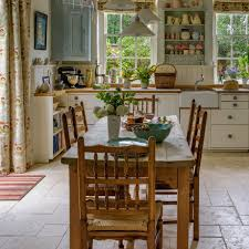 warwick cottage decoracion de interiores pinterest see how this old school house was restored to its former glory