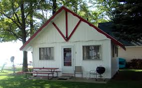 Two Bedroom Cottage Two Bedroom Cabins The Crest Resort On Houghton Lake