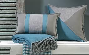 plaid turquoise pour canapé plaid turquoise pour canape 4 coussin prestige avec nuances de