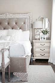 Mirrored Furniture For Bedroom by Best 25 Mirror Behind Nightstand Ideas Only On Pinterest Small