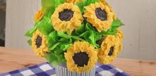 sunflower bouquet how to make a sunflower cupcake bouquet tiphero