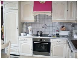 comment moderniser une cuisine en chene comment relooker une cuisine trendy comment decaper un meuble