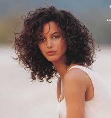 Hochsteckfrisurenen Lockige Haare by Die Besten 25 Lockiges Haar Frisuren Ideen Auf