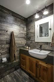 Flooring Ideas For Bathrooms by Best 25 Small Rustic Bathrooms Ideas On Pinterest Small Cabin