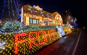email forwards fun christmas lights from around the world