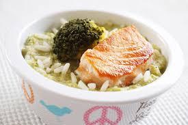 cuisiner brocolis a la poele pavé de saumon à la purée de brocolis et riz une recette de