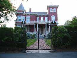 stephen king u0027s house u2013 bangor maine atlas obscura