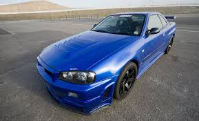blue nissan skyline nissan skyline techniniai automobilio duomenys automobilio kuro