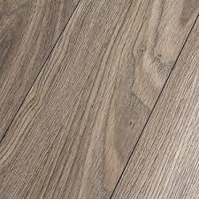 inhaus precious highlands topaz oak 12mm laminate flooring 37889