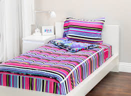 the fantasy forest zipit bedding set is reversible zipit bedding