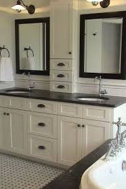 Master Bathroom Mirrors by Best 25 Craftsman Bathroom Mirrors Ideas Only On Pinterest