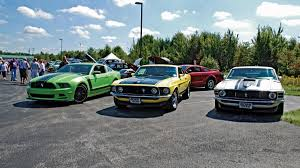 302 ford mustang conquering the car with a 2013 ford mustang 302 autoweek