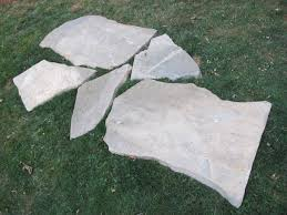 Bluestone For Patio by How To Install A Flagstone Patio With Irregular Stones Diy