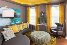 rideaux décoration intérieure salon décoration intérieur invitez le jaune et le gris dans l espace