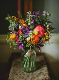 wedding flowers budget how to make you wedding flower budget stretch flowers plan