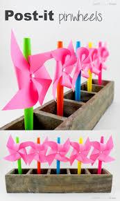 molinitos de viento con papel y pitillos manualidades sencillas