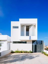1000 About Modern Minimalist Narrow Home Plans