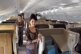 erkennst du diese 16 airlines an der uniform ihrer flugbegleiter