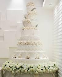 elegant white wedding cake pictures elegant black white and