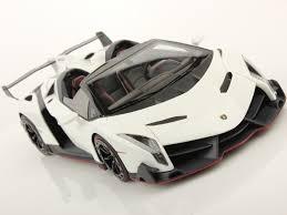 Lamborghini Veneno Features - lamborghini veneno roadster 1 18 mr collection models