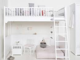 chambre fille et blanc du blanc chez les enfants joli place