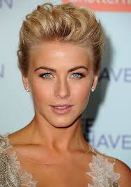 juliane hough s hair in safe haven get the look julianne hough s deep brown and rose gold eye makeup